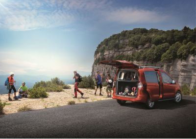 All -New Ford Tourneo Courier Zetec